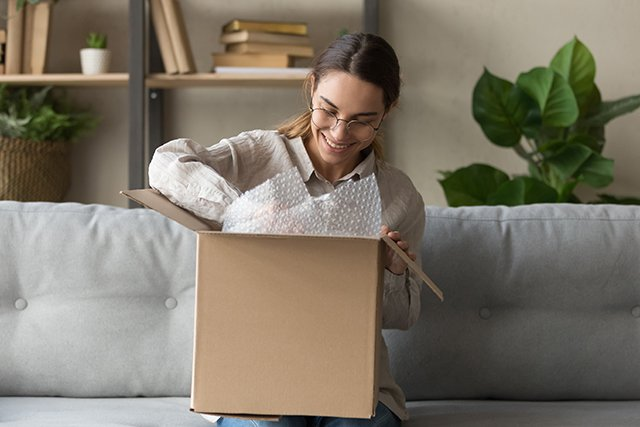 Confronting Logistics Challenges in an Omnichannel Shopping Landscape